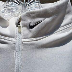 Nike Shirts & Tops - Nike• FIT DRY  pullover